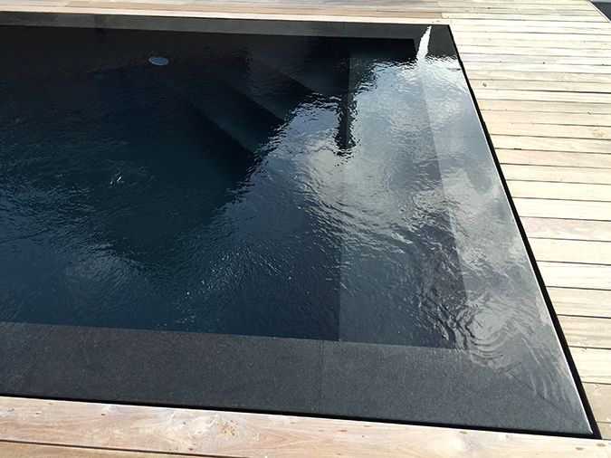 Design couverture piscine prima 38 rouen rouen for Piscine miroir noire